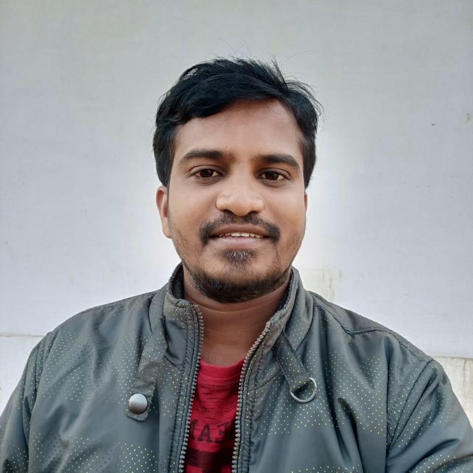 Dr Avinash Lakma