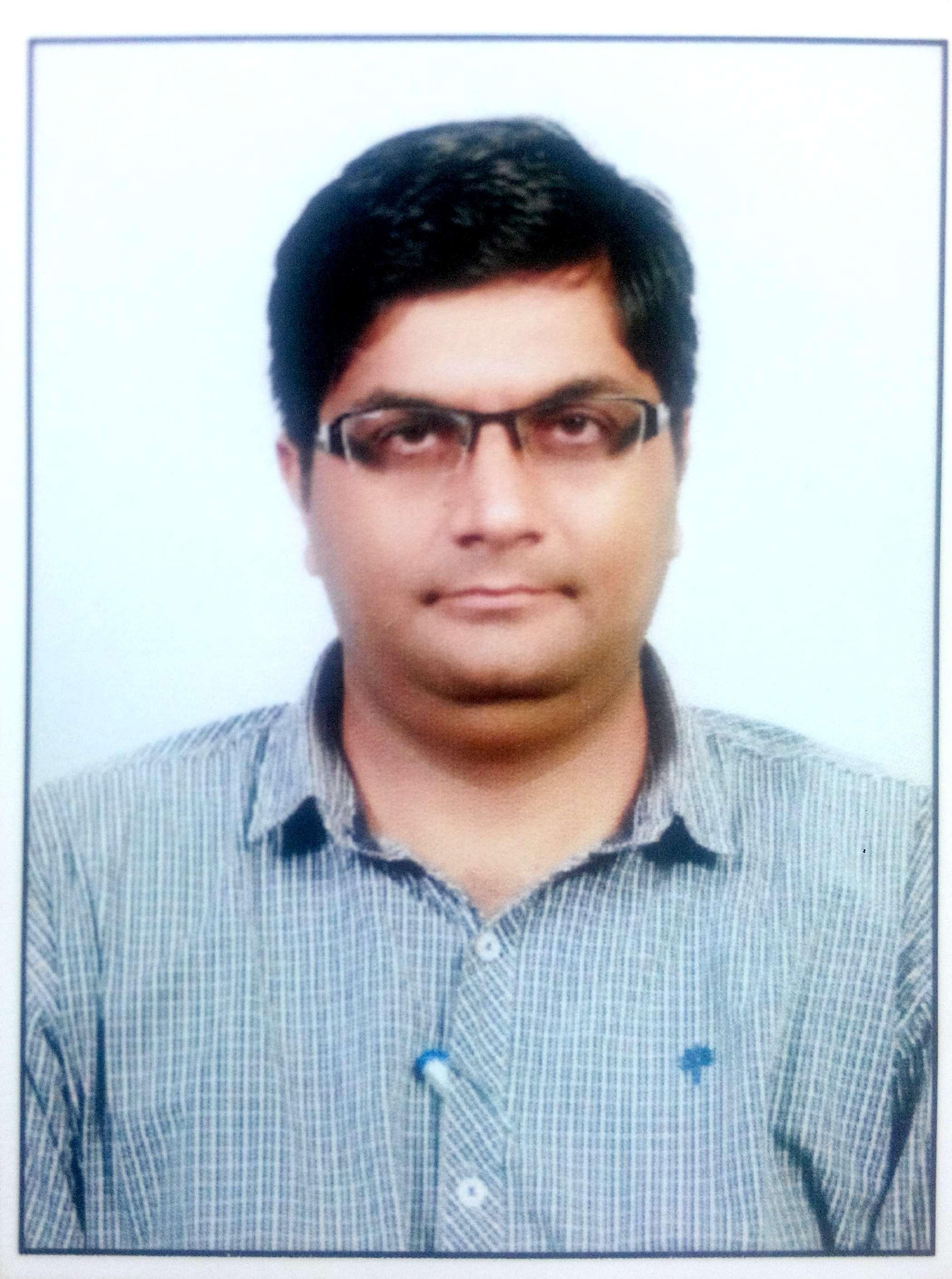 Dr MAHESH BOHRA