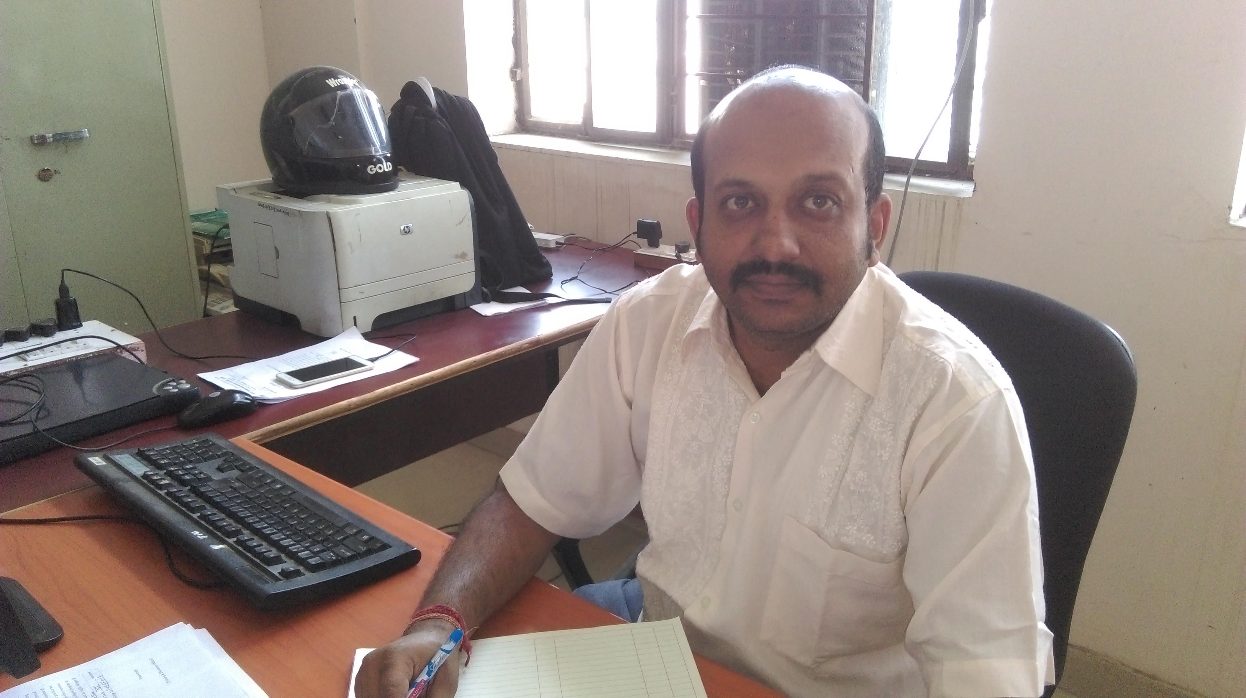 Mr Vivek  Agarwal
